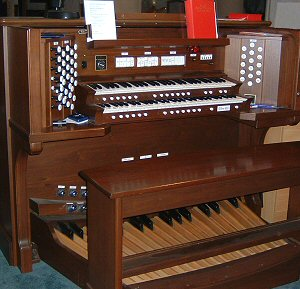 Leatherhead Parish Church - Allen Organ